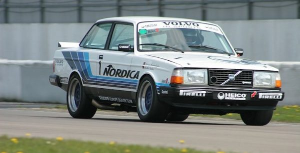Volvo-240-Turbo-